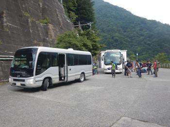 7891_畑薙送迎バス乗り換え.JPG