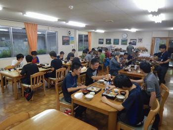 7934_椹島ロッジ夕食.JPG